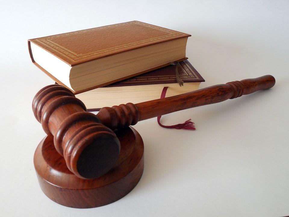 lawsuit against apple